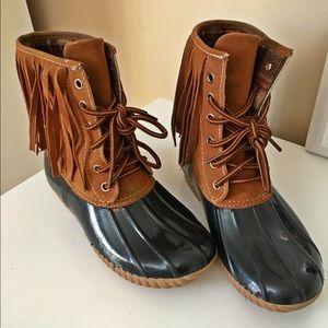 Fringe Duck Boots